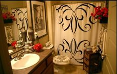 Tuscan bathroom design is said to be a perfect combination of sheer indulgence and timeless beauty. When designing a bathroom, … Tuscan Bathroom Decor, Bathroom Red, Bath Decor, Bathroom Interior, Bedroom Decor, Bathroom Ideas, Paris Bathroom, Red Bathrooms, Small Bathroom