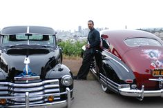 benjamin bratt as a hot cholo with 2 beautiful lowriders makes my heart go pitter patter.
