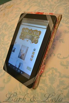 DIY Kindle/Tablet Cover ... since I just bought one Best one I found! Picture instructions and adaptable to any size.