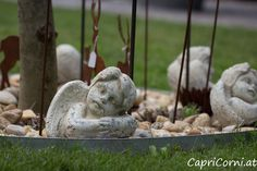 Steinengel (nicht winterfest) Garden Sculpture, Outdoor Decor, Home Decor, Stone Sculpture, Winter Festival, Sculptures, Stones, Decoration Home, Room Decor