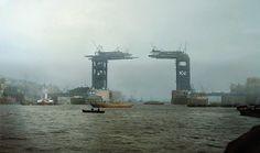 Proslavený Tower Bridge v Londýně, původní foto z roku 1889.