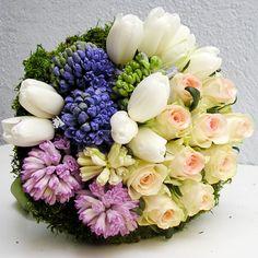 http://blog.yau.ro/wp-content/uploads/2013/03/yau-flori+zambile-pastel.jpg
