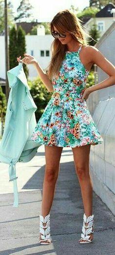 Hermoso vestido de flores.