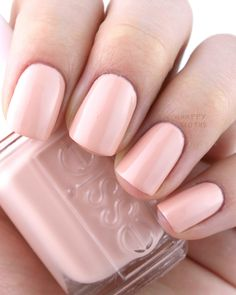 The Happy Sloths: Essie Spring 2016 Collection: Review and Swatches