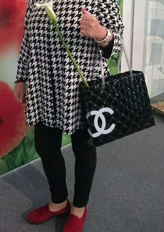 Every girl should have a chanel bag! Mine is made of glass. Every Girl, Gucci, Chanel, Shoulder Bag, Glass, Fashion, Moda, Drinkware, La Mode