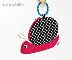 Bolsa de caracol por MinneBites / bolsa chupete rosa por minnebites, $33,00