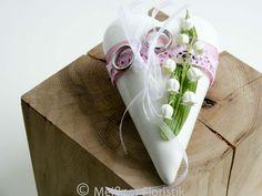 Ringkissen - Ringkissen Hochzeit weiß rosa Maiglöckchen - ein Designerstück von Meissner-Floristik bei DaWanda