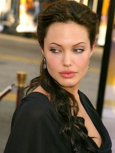 Angelina Jolie The Beauty. Brad And Angelina, Angelina Jolie Photos, Jolie Pitt, Le Jolie, Hollywood Celebrities, Hollywood Actresses, Julie, Beautiful Actresses, Most Beautiful Women
