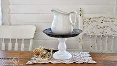 You can have the pie and I'll keep the plate!  An old enamelware pie plate turned into a pretty pedestal ~~~via http://knickoftimeinteriors.blogspot.com/