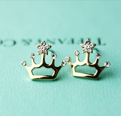 Elegant Cute Crown Shape Rhinestone Earrings. Yes PLEASE!!!