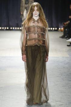 Veronique Branquinho Fall 2016 Ready-to-Wear Collection Photos - Vogue