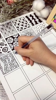 Doodle Art Drawing, Zentangle Drawings, Zentangle Patterns, Zentangles, Art Drawings Sketches Simple, Pencil Art Drawings, Mandala Art Lesson, Doodle Art Designs, Diy Canvas Art