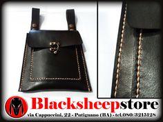 Scarsella in cuoio, borsa marsupio, cintura Bikers, Made in Italy, cuciture a mano personalizzabile in diverse colorazioni di BlackSheepItaly su Etsy