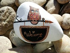 #stoneart #stonepainting  #paintrock #paintingstones #paintingdots #dotartwork #dots #homedecor #home #bronze #welcomehome #welcome #owl