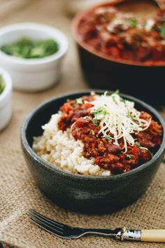 Slimming World Chilli Con Carne- Syn Free & Slow Cooker - Tastefully Vikkie Slow Cooker Chilli, Slow Cooker Beans, Healthy Slow Cooker, Slow Cooker Chicken, Slow Cooker Recipes, Crockpot Recipes, Healthy Chilli Con Carne, Chilli Con Carne Recipe, Chilli Recipes