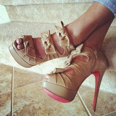 nude bows louboutins