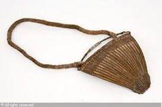 CUBRESEXO. Pieza  rectangular, cuadrangular o triangular que cubre los órganos genitales.