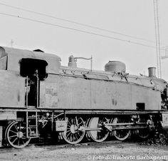 Locomotiva a vapore  FS 940.004 - Deposito locomotive di Lecco (I) -  09 feb 1964  -  © Umberto Garbagnati -