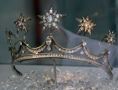 Queen Emma's Star tiara, Netherlands royal family.