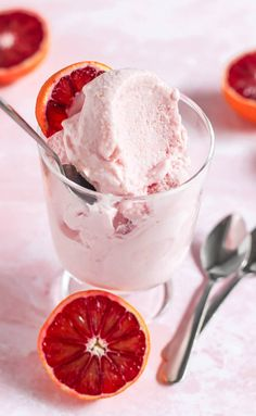 This healthy Blood Orange Ice Cream is so sweet and creamy, you'd never know it's sugar free, low fat, low calorie, and high protein too! Eggless Desserts, Sugar Free Desserts, Healthy Dessert Recipes, Gluten Free Desserts, Delicious Desserts, Ww Desserts, Healthy Treats, High Protein Desserts, Frozen Desserts