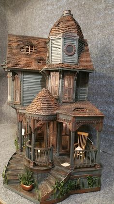 Greggs Miniature Imaginations (jt-this haunted house is made from cardboard!)