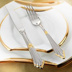 Homespend Cutlery Shows elegance and sophistication with its modern western style, eco friendly stainless steel material, stylish gold inlay design. Mirror polish technology for easy cleaning and polishing. Spoon Knife, Knife And Fork, Chef Knife Set, Knife Sets, Electric Sharpener, Japanese Chef, Disposable Plates, Stainless Steel Cutlery, Gabel