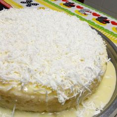 O #bolo desta #madrugada era na #verdade  #cuscuz de #tapioca . Peguei a #receita com a @enaidearaujo e ficou uma #delícia . Em menos de #30min estava pronto pra gelar. Minha #família adorou. #bomdia #goodmorning #terçafeira #tuesday #nadaéporacaso #pequenascoisas #pequenosprazeresdiários by akiouemura http://ift.tt/25yaFWU