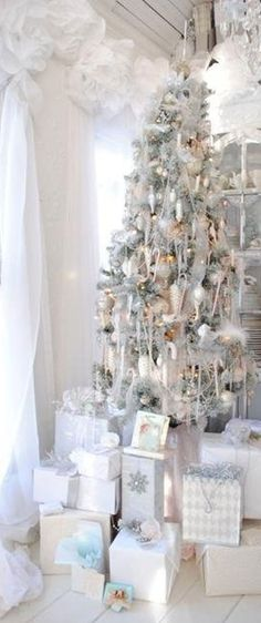 White Christmas, Christmas Tree Decorations, White Chistmas presents,Holiday Decorations,White Christmas Ideas