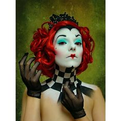 Pin for Later: 26 Women Who Took Their Disney Halloween Costumes to the Next Level Queen of Hearts, Alice in Wonderland
