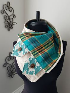 The Turquoise & Cream Neck Warmer Scarf - HANDMADE