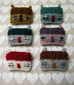 Hand Knitted Things: Hand Knitted Cottage Brooch Giveaway