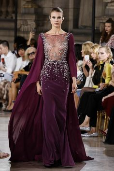 George Hobeika Couture Collection Fall Winter 2016 Fashion Show in Paris Style Haute Couture, Couture Fashion, Runway Fashion, Paris Fashion, Beautiful Gowns, Beautiful Outfits, Live Fashion, Fashion Show, Punk Fashion