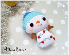 This is a digital tutorial on how to make the Snowman Christmas ornament from felt Included step by step instructions, pictures and full size pattern pieces. (no need to enlarge or resize). Its completely hand sew and you dont need a sewing machine. THIS IS NOT A FINISHED TOY. THIS IS A