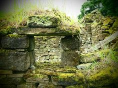 Eilean Donan Castle, close to the Isle of Skye, Scotland Colorado Springs, Colorado ruin Beautiful Ruins, Beautiful Buildings, Beautiful World, Beautiful Places, Abandoned Buildings, Abandoned Places, Post Apocalyptic City, Famous Castles, Castle Ruins