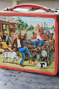 Beverly Hillbillies lunch box-my sister,Lauree had this one! Retro Lunch Boxes, Lunch Box Thermos, Tin Lunch Boxes, Metal Lunch Box, School Lunch Box, Whats For Lunch, Childhood Days, Vintage School, Vintage Tins