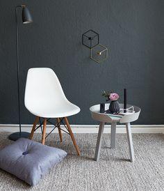 Der Muuto Around Coffee Table - Styling/Fotoshooting im Wohnzimmer.