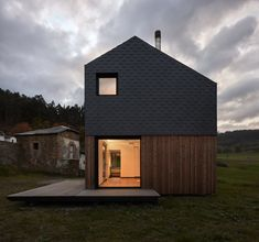 This Affordable Prefab in Spain Only Took 5 Hours to Assemble - Photo 14 of 14 -