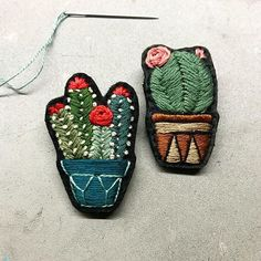These two will travel with us to France for Christmas  . . . #cactus #embroidery #cacti #cactuslover #pin #brooch #bordado #handmade #handembroidery #maker #stitch #handstitched #modernembroidery #natureinspired #felt #kaktus #new #creativecommunity #fiberart #fiberartist #textileart #dmcthreads #karakoy #creamente