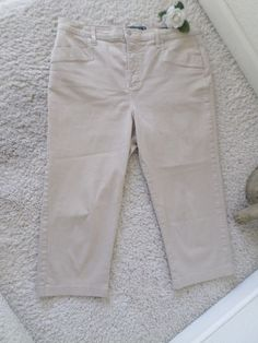 BNWOT NOT YOUR DAUGHTER'S JEANS KHAKI CAPRI 14~NYDJ LIFT TUCK RELAXED FIT UK 18 #NotYourDaughtersJeans #CapriCropped