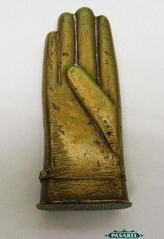 Novelty Brass Gloved Hand Vesta Case / Match Safe Ca 1900