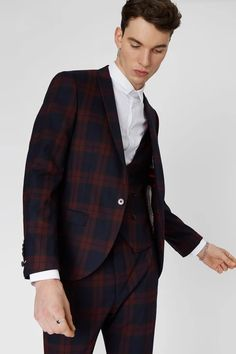 Men's Skinny Fit Graduation Suits From Twisted Tailor. Stand Out Style. Join The Tailoring Revolution. Free UK Delivery & Returns.