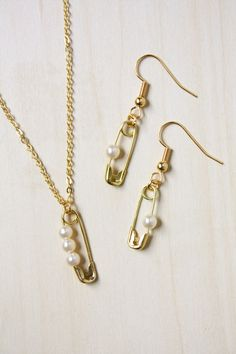 Safety Pin and Pearl DIY Jewelry Tutorial -- make an earring and necklace set!