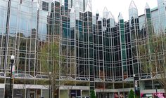 Philip Johnson & John Burgee   PPG Place    Pittsburgh, Pennsylvania, Estados Unidos   1981-1984