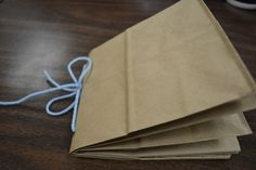 Paper sack scrapbook foldable that can be used for any grade and any subject! Also a freebie game for finding parts of a number. A must pin!