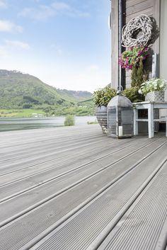 Grå terrasse i MøreRoyal® - lekkert!