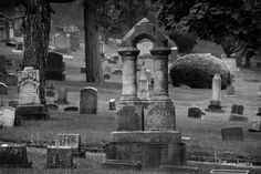 Oak Hill Cemetery, Youngstown