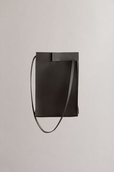 BLACK RIFT TAB BAG | CHIYOME - Minimalist Handbags