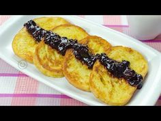 Friganele sau paine cu ou | JamilaCuisine - YouTube Baby Breakfast, Breakfast Recipes, Romanian Food, Quick Easy Meals, French Toast, Deserts, Sweets, Snacks, Cooking