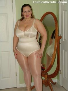 Nude women belle charms southern