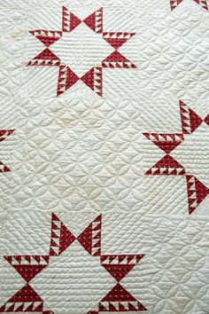 Antique feathered star quilt, hand-quilted, in the home of Lisa Bongean of Primitive Gatherings